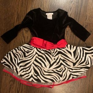 Worn once, 2T baby girl dress